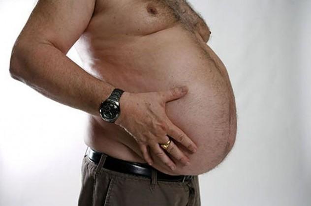Жирный живот у мужчины