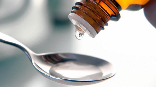 Чайная ложка с вазелиновым маслом от запора