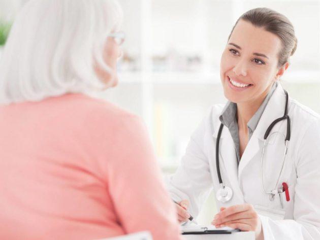 Перед лечением запора в домашних условиях нужно посетить доктора