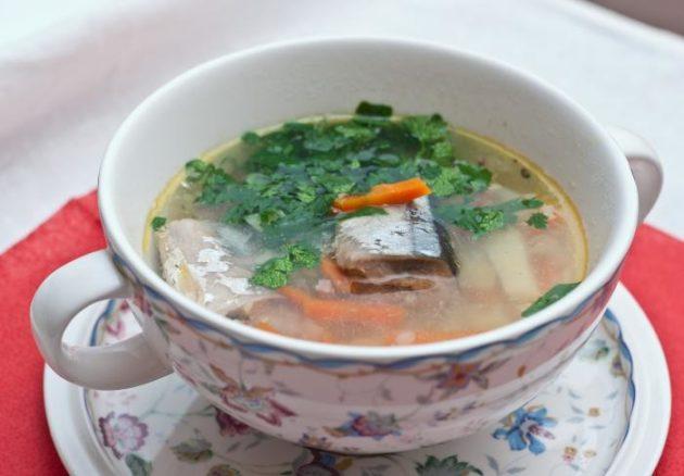В меню при холецистите присутствует нежирная рыба и супы из нее