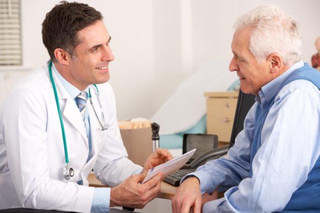 Хронические запоры часто наблюдаются у пожилых людей