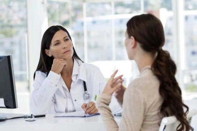 Лечением запора при грудном вскармливании должен заниматься врач