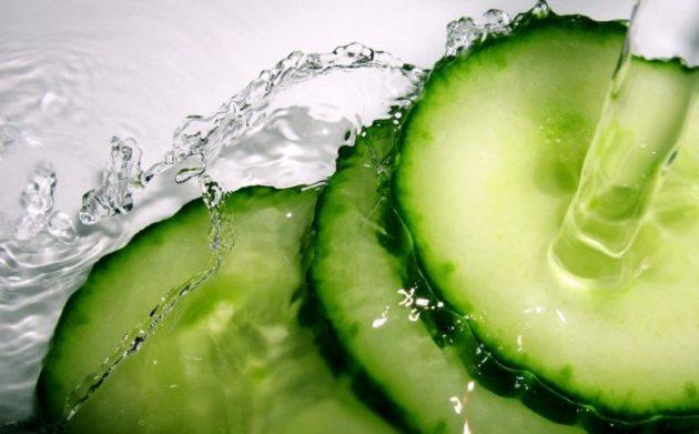 Огуречная вода также подходит для борьбы с запорами